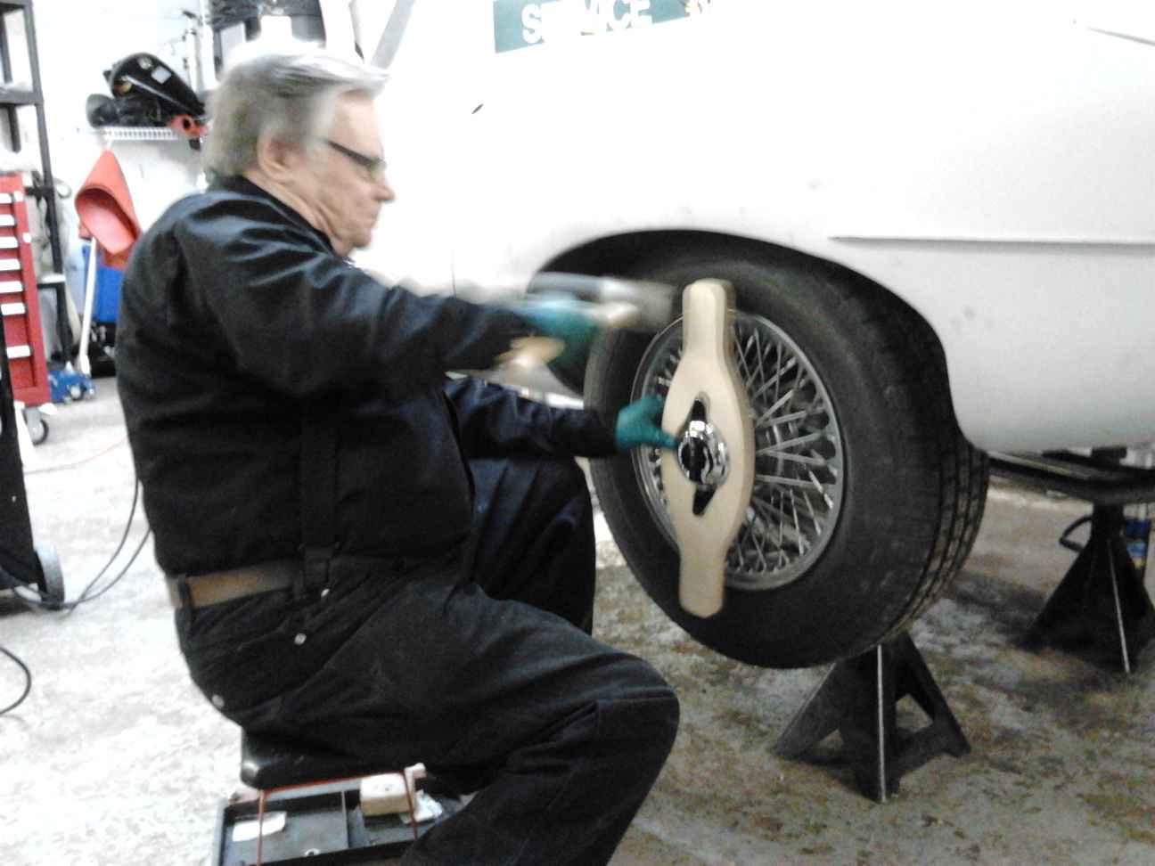 Dec 2012 Rear wheels go on
